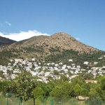 Holiday home El Mas Fumats is located in Roses. There is a full kitchen with an oven.