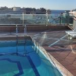 Lloret de Mar: séjournez au cœur de la ville  L'Hotel Astoria Park comprend un sauna et un hammam. Doté d'une piscine chauffée et d'un bain à remous, son toit-terrasse offre de merveilleuses vues sur la Costa Brava.
