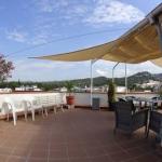 L'établissement Hostal Julieta à la gestion familiale est situé à 10 minutes à pied de la plage de Lloret de Mar. Il dispose d'un toit-terrasse bien exposé et d'une réception ouverte 24h/24.