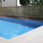 Situé dans le charmant village de pêcheurs de Tossa de Mar, l'hôtel Tossa Beach Center se trouve à 150 mètres de la plage. Il possède une petite piscine extérieure et des chambres modernes pourvues d'un balcon privé.