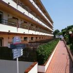 Conçus spécialement pour les familles, ces appartements se trouvent au cœur de Lloret de Mar. Entièrement équipés, ils comprennent une terrasse, sont entourés de jardins et proposent tous les services d'un grand complexe hôtelier.