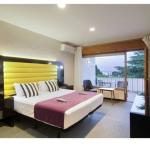 Situé sur la plage de Platja de Fornells, l'hôtel Eetu - Adults Only propose des chambres climatisées avec une terrasse privée. Il dispose d'un court de tennis, d'un bar-restaurant avec terrasse et d'une connexion Wi-Fi gratuite.