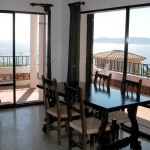 Apartment Maresme 1 is a self-catering accommodation located in Colera. There is a full kitchen with a dishwasher and a microwave.