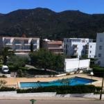 Roses: séjournez au cœur de la ville  Situé à Roses, le J&V Lisboa dispose d'une piscine extérieure commune et d'un appartement climatisé doté d'une terrasse et offrant des vues sur la mer. L'établissement est à 1 200 mètres de la plage.