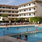 Installé à moins de 500 mètres de la plage de L'Estartit, l'établissement Apartamentos Festa propose une gamme d'appartements bien équipés. Doté de piscines extérieures, il possède des hébergements offrant une vue sur la mer Méditerranée.