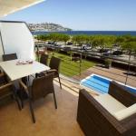 Proposant des appartements modernes avec vue sur la mer, le Salatà Mar est situé à 140 mètres de la plage. Il dispose d'une piscine extérieure et se trouve à 10 minutes de marche de boutiques, de bars et de restaurants.
