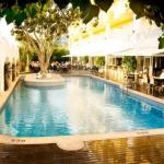 L'Augusta Club se trouve à quelques pas du centre de Lloret de Mar. Cet hôtel dispose de 2piscines et vous pourrez profiter gratuitement de la connexion Wi-Fi dans les parties communes ainsi que de cours de yoga et de tai chi.