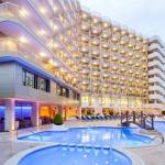 Le Beverly Park & Spa est un hôtel moderne, situé à proximité de la plus longue plage de Blanes, sur la Costa Brava. Depuis l'établissement, il est facile d'accéder à Gérone et à son aéroport, situé à 45 km.