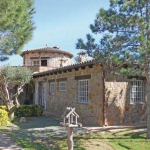 Holiday home Cramon Llull I-550 is located in Begur. There is a full kitchen with a dishwasher and a microwave.