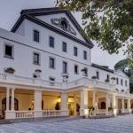 L'établissement Balneari Termes Orion, implanté dans un bâtiment de style colonial, possède un spa thermal utilisant les eaux médicinales et minérales d'Orion. Entouré de jardins, il dispose d'une piscine extérieure.