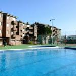 Le Voramar est situé sur le front de mer dans le quartier paisible d'Els Griells, à L'Estartit. Installé dans un complexe avec une piscine extérieure commune, cet appartement dispose d'un balcon privé avec une vue exceptionnelle sur la mer.