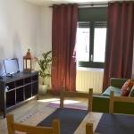 Offrant une vue imprenable sur les montagnes et la campagne, l'Apartment Besalú est situé dans le centre du village médiéval de Besalú. Une connexion Wi-Fi est fournie gratuitement dans l'appartement.