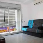 Lloret de Mar: séjournez au cœur de la ville  Travesia Jardins Apartment is a self-catering accommodation located in Lloret de Mar. FreeWiFi access is available.