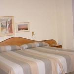 Situé à Figueres, l'établissement Hostal La Barretina est à 5 minutes à pied du célèbre musée Dalí et à 100 mètres du parc Bosc. Cette maison d'hôtes propose des chambres sobres dotées d'un balcon et d'une télévision à écran plat.