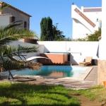 Dotée d'une piscine privée et d'un jardin, la Casa Palau est située à L'Escala. Cette villa de 5 chambres dispose de la climatisation et d'une connexion Wi-Fi gratuite.