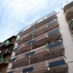 Les appartements Isern sont situés à 300 mètres de la plage Sabanell, dans la station balnéaire de Blanes, sur la Costa Brava. Chaque appartement moderne comprend une connexion Wi-Fi gratuite, un balcon privé et une télévision à écran plat.