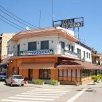 Cette auberge de jeunesse possède un restaurant de fruits de mer et un bar où vous pourrez regarder des films. Elle est située à seulement 5 km du centre de Gérone et à 3 km du parcours de golf le plus proche.