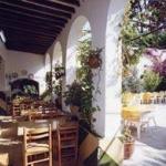 Cet hébergement fonctionnel situé à seulement 50 mètres de la plage propose confort et hospitalité dans une atmosphère agréable. Goûtez à la cuisine internationale et dégustez des grillades à l'hôtel, où vous pouvez également vous détendre au soleil ou à l'ombre dans le jardin.