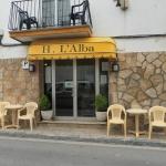 La maison d'hôtes à la gestion familiale Alba propose des chambres simples et climatisées avec télévision et salle de bains privative. La plage Tossa de Mar, avec ses boutiques et ses bars, est à environ 350 mètres de l'établissement.