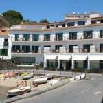 À Cadaqués, cet hôtel est bien situé pour quelques jours de détente au soleil sur les plages de la Costa Brava. Les équipements comprennent une piscine extérieure et un jardin d'oliviers.