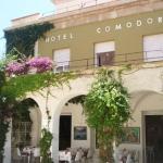 Ce charmant hôtel à la gestion familiale est situé dans le centre de Portbou, à seulement 50 mètres de la plage et à 5 minutes de route de la frontière française. Il dispose d'un jardin et d'une connexion Wi-Fi gratuite.