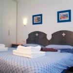 Situé à 250 mètres de la plage de la station balnéaire très prisée de Platja d'Aro, le Goetten Apartamentos propose des logements avec balcon privatif. Vous pourrez profiter d'une piscine intérieure commune et d'une blanchisserie.