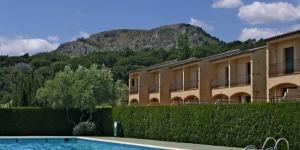 Ces villas, qui font partie du complexe Festamar, sont situées à L'Estartit, à 3 kilomètres des plages de sable fin et des eaux peu profondes où vous pourrez nager en toute sécurité. Toutes les villas disposent de jardins avec terrasse.