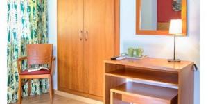 Lloret de Mar: séjournez au cœur de la ville  Cette agréable maison d'hôtes est située à seulement 75 mètres de la plage Platja de Lloret. Elle vous propose des chambres confortables dotées d'une connexion Wi-Fi gratuite, situées à 5 minutes à pied de la gare routière de Lloret de Mar.