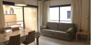 Situé à seulement 100 mètres de la plage, l'Apartamentos Marblau est installé dans la petite ville côtière de Tamariu. Cet établissement propose des hébergements entièrement équipés avec balcon.