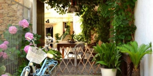 Situé à 2 minutes à pied de la plage de Sant Antoni de Calonge sur la Costa Brava, le Marakasa B&B dispose d'une connexion Wi-Fi gratuite et d'une terrasse meublée. Ce Bed & Breakfast met à votre disposition une cuisine commune.