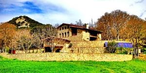 Occupant une maison de campagne catalane restaurée dans la réserve naturelle de Garrotxa, l'établissement climatisé El Llober de Gérone propose une connexion Wi-Fi gratuite et un petit-déjeuner fait maison. Spacieuses et lumineuses, les chambres de cette maison de style champêtre traditionnel comprennent toutes une salle de bains avec articles de toilette gratuits et sèche-cheveux.