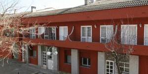 La résidence Girona Apartments se trouve dans un quartier calme de Gérone, près du parc Devesa et du centre sportif Fontajau. Elle propose un hébergement pour un bon rapport qualité-prix avec accès Internet gratuit.