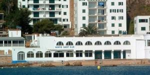 Situé à San Felíu de Guixols sur la Costa Brava, l'établissement Apartaments Mercedespropose des hébergements indépendants. Il offre une vue sur la mer Méditerranée.