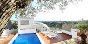 L'Holiday home Paradise Lloret de Mar est situé à Lloret de Mar, à 5 km de la mer. Il vous propose une grande maison moderne, qui a été construite en 2006.