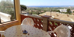 """This simple 2-family house """"Villa Hydra"""" is located outside of the resort, 5 km from the centre of Roses. It rests in a quiet, sunny position on top of a hill, 5 km from the sea, by a road."""