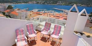 L'Apartment La Carbonera Port de la Selva est un hébergement indépendant situé à Port de la Selva. Cet établissement se trouve à 1,1 km du Cap de Creus.