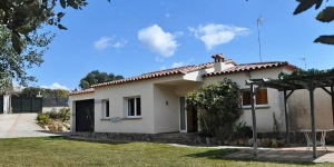 Holiday House Casa Nova is outside the resort, 3 km from the centre of Sant Feliu de Guixols, in a quiet position, 4 km from the sea. For shared use one will have swimming pool (15 x 10 m, 01.
