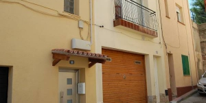 Apartment block Apt Cheli, was built in 1980 and renovated in 2005. It's located in the centre of Blanes, in a central position, 400 m from the beach.