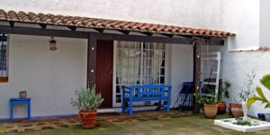 Holiday home Les Coves 3 is situated in Sector de Empuries 2 km from L'Escala. It is a very simple terraced house, outside the resort, 100 m from the sea.