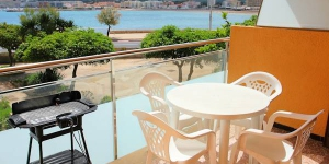This is a renovated three-room apartment 62 m2 on 1st floor, located 1 km from the centre and 50 m from the sea. It has a living/dining room with 1 sofa bed.