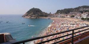 Apartment Tossa de Mar Avda.Sant Ramon de Penyafort is a self-catering accommodation located in Tossa de Mar.