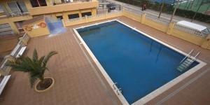 L'Illes Medes se situe dans le quartier Els Griells, à seulement 1 minute de marche de la plage et à 8 minutes de route de L'Estartit. Cet appartement propose deux chambres et un accès à une piscine extérieure commune.