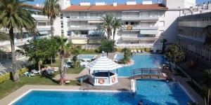 Implanté à L'Estartit sur la Costa Brava, le Mar Dor Apartments possède une piscine extérieure commune et un restaurant. La plage de L'Estartit se trouve à 5 minutes à pied.