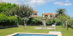 Offering an outdoor pool, Holiday home Bellcaire d'Empordà is located in Albóns. WiFi access is available in this holiday home.