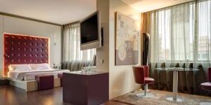 Le Carlemany Girona est idéalement situé à 600 mètres du quartier historique de Barri Vell ainsi qu'à 400 mètres de la gare ferroviaire et routière de Gérone. Les chambres sont équipées d'une télévision à écran plat de 81 cm et d'une connexion Wi-Fi gratuite.