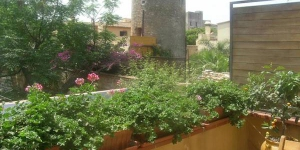 Apartment Duplex is a self-catering accommodation located in Begur. Complete with a microwave, the dining area also has an oven and a refrigerator.