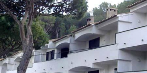 Apartment Arcos is a self-catering accommodation located in Begur. Accommodation will provide you with a balcony.