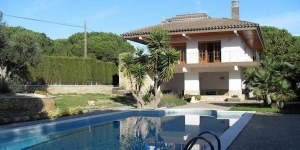 Holiday home Ramon is located in L'Escala. The accommodation will provide you with a balcony.