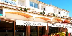 Cet hôtel familial se situe à quelques minutes de marche des plages de la Costa Brava et il dispose d'une grande piscine extérieure installée dans de charmants jardins. L'agréable hôtel Panama accueille volontiers les familles et toutes les chambres sont dotées de terrasses privées ou de balcons, sur lesquels vous pourrez profiter de l'air pur et du soleil de la Catalogne.