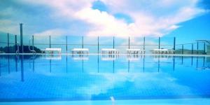 Les appartements Condado sont situés à 700 mètres de la paisible plage de Fenals et à 15 minutes à pied de la ville animée de Lloret de Mar. Ils disposent d'une piscine sur le toit et d'appartements pouvant accueillir jusqu'à 8 personnes.